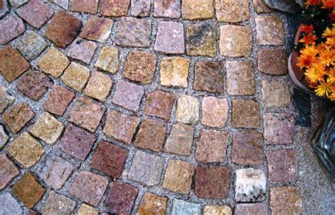 pflastersteine rot bunt natursteine deisl