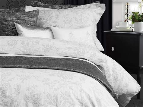 The White Collection Ainsleigh Queen Duvet Cover
