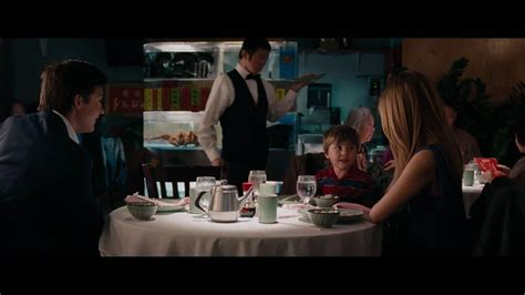 une famille tr 232 s moderne bande annonce hd vf