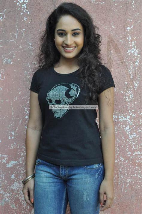 hot indian actress rare hq  vijay tv serial actress