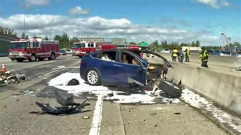 tesla car  fatal hwy  crash   autopilot youtube