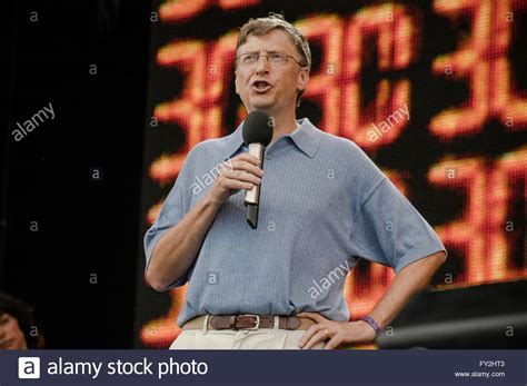 live 8 Hyde Park, July the 2nd 2005. Bill Gates speech at ...