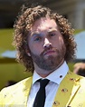 TJ Miller reaches settlement with driver he allegedly ...