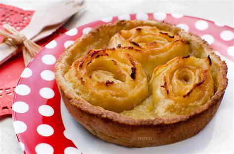 Tarte aux pommes et sa décoration en bouquet de rose