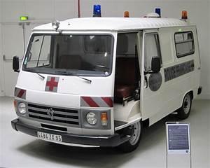 Peugeot Croix Blandin : file peugeot j9 de la croix rouge jpg ~ Gottalentnigeria.com Avis de Voitures