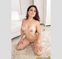 Thstreetlatinas Presents Jennifer In When The Panties Drop Spicy Porn Trials