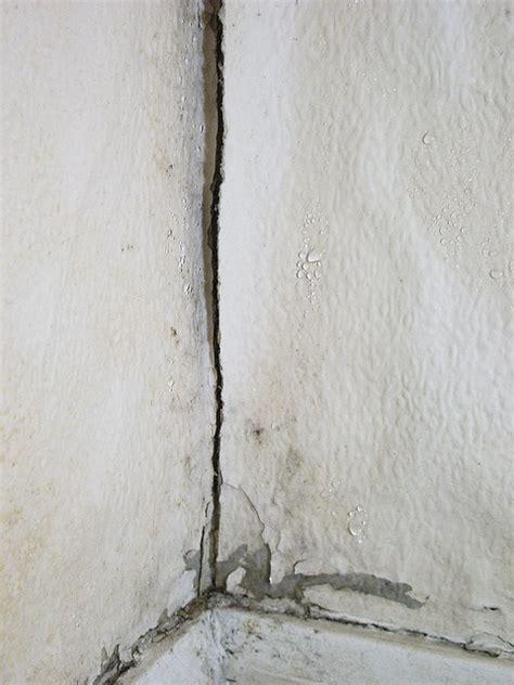 comment lutter contre l humidité dans une chambre comment lutter contre l 39 humidité dans vos murs bati