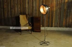 Stehlampe Retro Design : vintage scheinwerfer stehlampe retro industriedesign manufaktur industrial ~ Frokenaadalensverden.com Haus und Dekorationen