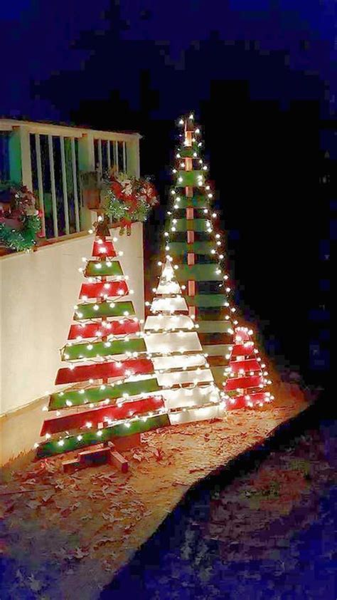 diy outdoor wooden pallet trees with lights