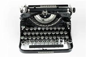 Antique Typewriter - Underwood Omero Home