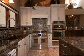 Kitchen Design Layouts Together With Before And After Kitchen Remodel Installation Ideas For Planning Cheap Kitchen Interior Remodeling Small Kitchen Design Ideas 2015 Kitchen Cabinets Idea Kare Mutfaklar Orta K S M Bo Lu U Olu Turaca Ndan Orta