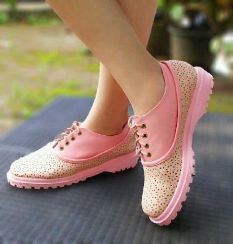 Sepatu Boots Cewek Cantik Terbaru jual sepatu kets wanita cewek docmart pn25 warna pink