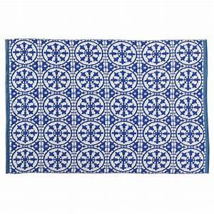 Teppich 230 X 230 : outdoor teppich santorini aus pvc 160 x 230 cm blau wei maisons du monde ~ Indierocktalk.com Haus und Dekorationen