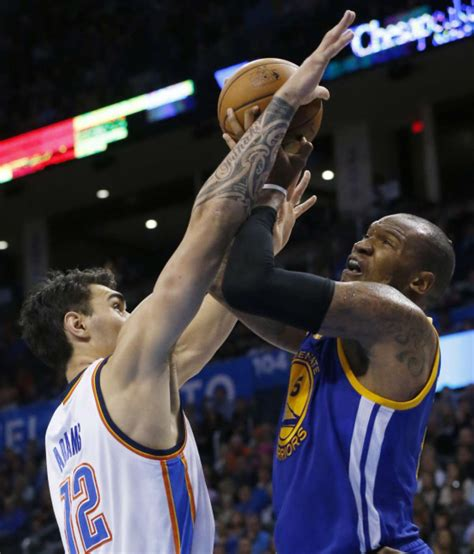 Marreese Speights to the rescue in Warriors' win