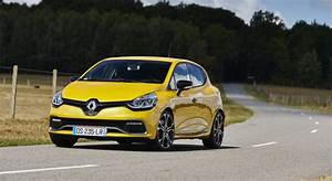Clio 4 2015 : renault clio 4 rs trophy 2015 reine des gti essai vid o ~ Gottalentnigeria.com Avis de Voitures