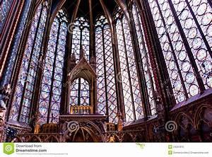 Gotische Fenster Konstruktion : gotische fenster lizenzfreies stockfoto bild 24297815 ~ Lizthompson.info Haus und Dekorationen