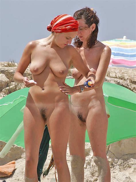 Naked Beach Saggy Tits 24 Pics Xhamster