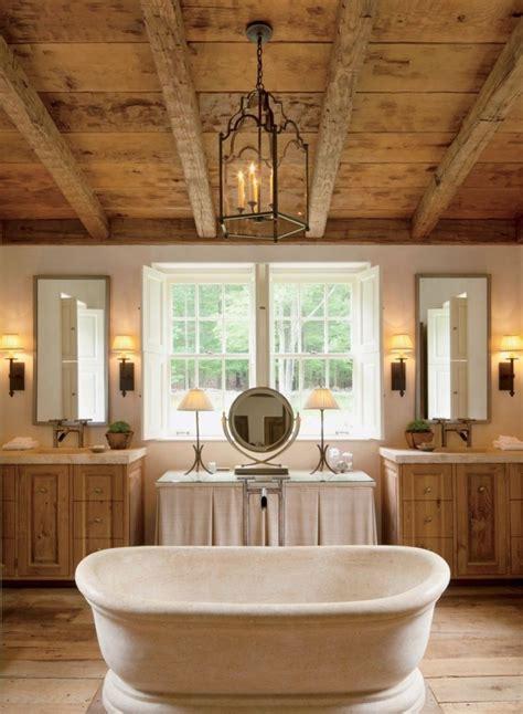 Bañera Central Para Un Baño Rústico  Imágenes Y Fotos