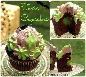Cupcakes Mit Füllung : halloween toxic cupcakes gef llte schokoladencupcakes mit cream cheese icing halloween ~ Eleganceandgraceweddings.com Haus und Dekorationen
