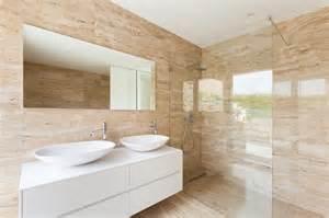 marmor badezimmer marmor als baumaterial verwendung in haus und garten