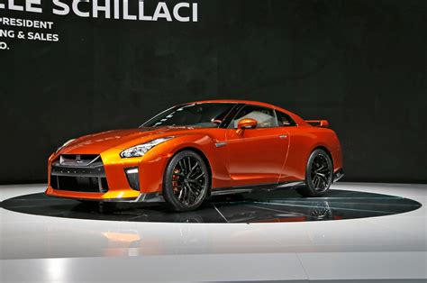 nissan skyline 2017 nissan gt r first look review motor trend