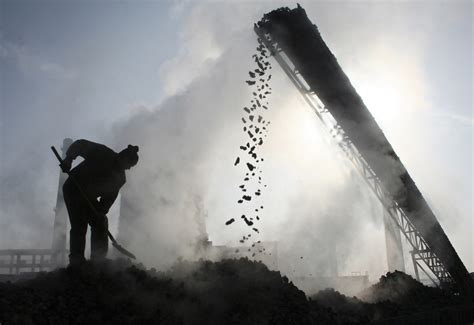Hsbc Warns Clients Of Fossil Fuel Investment Risks