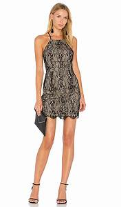 Trendy lace bodycon dresses for summer wedding guests for Bodycon wedding guest dresses