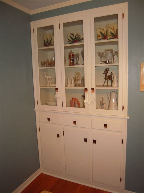 built  china cabinet    favorite features