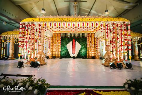 beautiful stage decor  south indian wedding flower