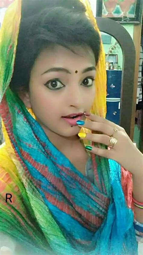 Pin By Saadumam On Salwar Suits With Images Desi Girl