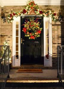 20 Christmas Front Door Decoration Ideas - Instaloverz