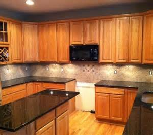 Kitchen Backsplash Ideas With Oak Cabinets Light Colored Oak Cabinets With Granite Countertop Products Kitchen Backsplash With Granite