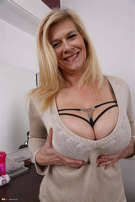 Older big titted German housewife showing off her heavily ...