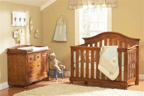 chambre bébé bois 20 idées douces de décoration de la chambre bébé fille