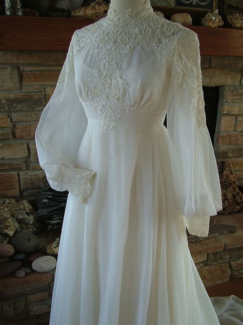 Vintage Wedding Dress 1970s Chiffon With Alencon Lace