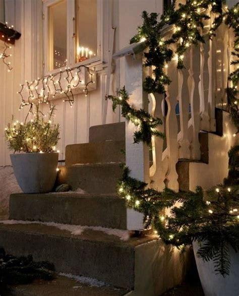 Solar Yard Decorations by 50 Fresh Festive Christmas Entryway Decorating Ideas