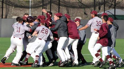 baseball sweeps doubleheader from la salle on kozuch walkoff