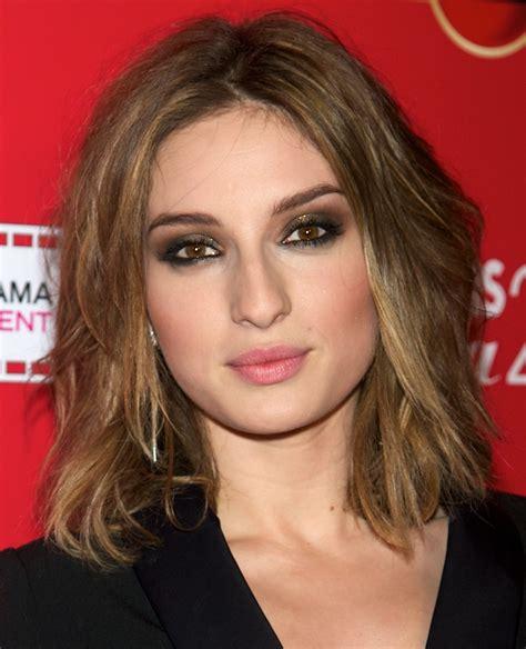 medium length shag haircut for hairstylo