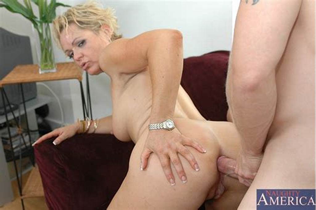 #Kelly #Leigh #Stepmom