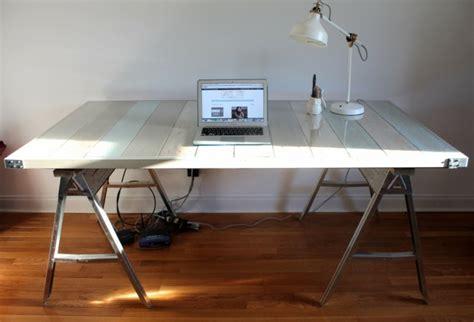 bureau palette fabriquer un bureau en palette dootdadoo com idées de