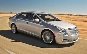 2019 Cadillac XTS Car Photos Catalog 2019