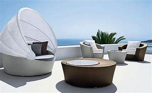 Modern Outdoor Furniture Set for Cozy Backyard of Mansion ...