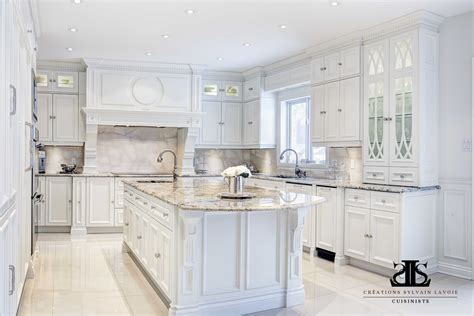 armoire de cuisine blanche armoire but blanche free armoire noir laque portes et