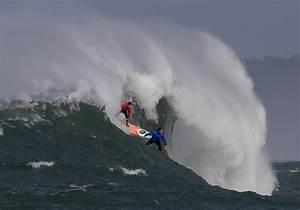 Northern Californian wins Mavericks big-wave surf contest ...