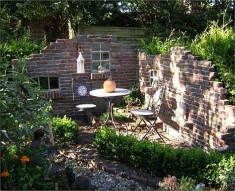 Alte Ziegelsteinmauern Im Gartenalte Mauern Im Garten New