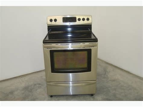 2014 Kenmore Electric Range Model # 970-6876 Central