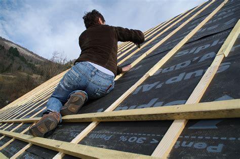 ecran de sous toiture l utilisation d 233 cran de sous toiture pour isoler sa maison