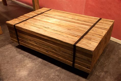 wohnzimmertisch aus holz wooden affairs detailansicht couchtische couchtisch bareng aus alten holzresten 110x70 cm