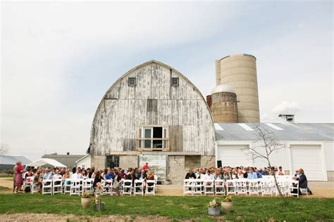 Barn Wisconsin by Wisconsin Farm Barn Country Wedding Rustic Wedding Chic