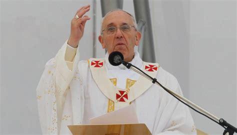 il y a un an au vatican kerviel et le pape françois les le pape françois dit quot putain quot pendant l 39 angelus un